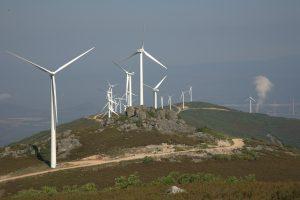 Molinos de viento en el redondal (El Bierzo). Foto Anxo Cabada