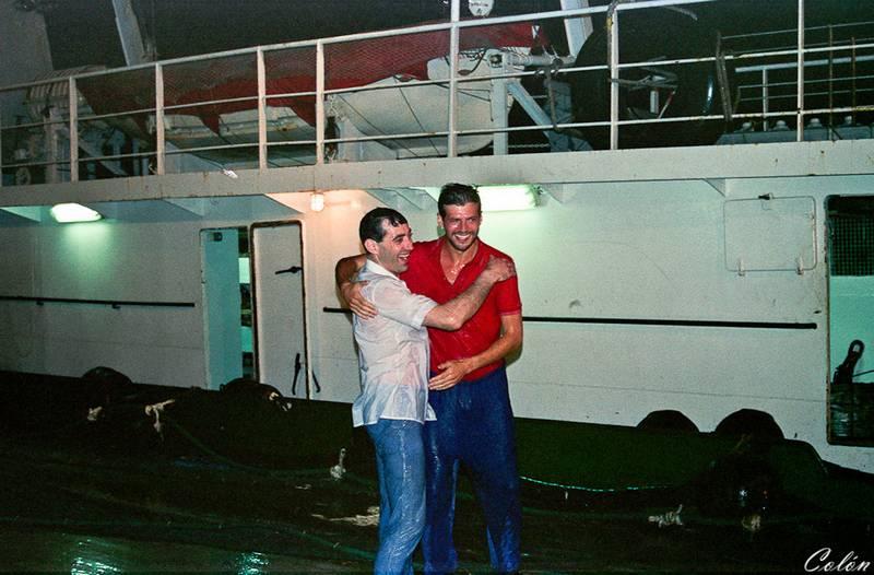 Valentin y Manolo recien bautizados a su paso del Ecuador