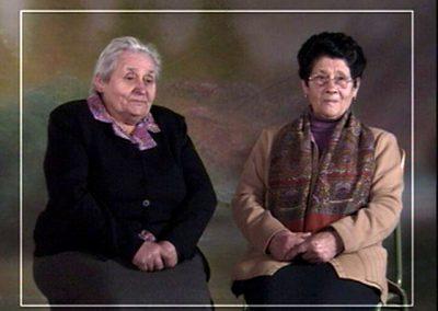 pareja señoras pg.JPEG
