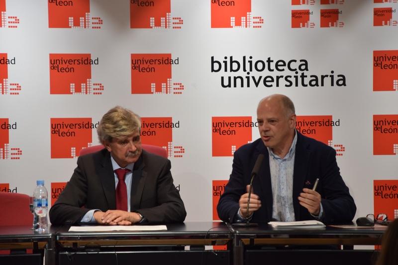 """La Universidad de León alberga la Biblioteca Gil y Carrasco, """"un romántico del siglo XXI"""""""