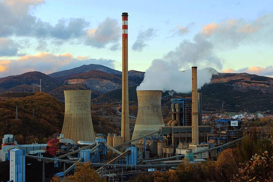ODS 7: FRENTE A LAS ELÉCTRICAS, ENERGÍA LIMPIA Y SOSTENIBLE