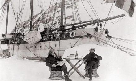 Ediciones del Viento publica «Antártida» de Valentín Carrera